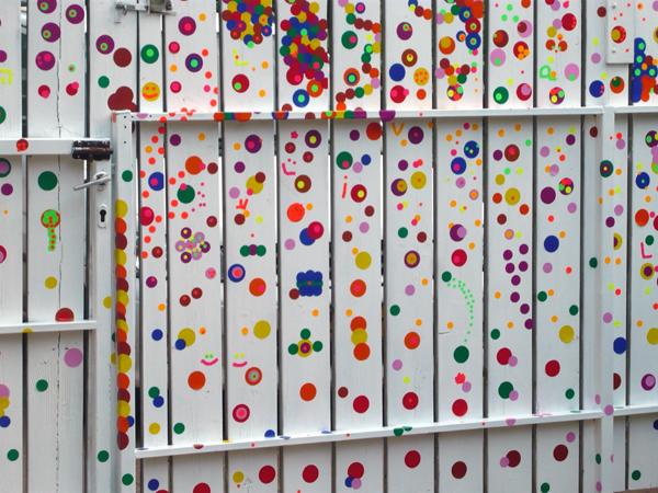 polka dots fence