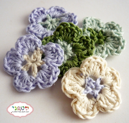 small flower crochet