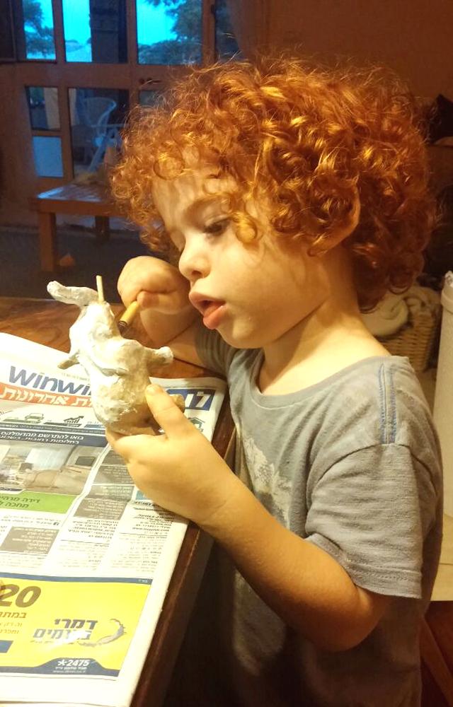 ילדים צעירים יוצרים בדקופאץ