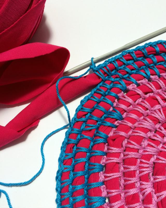 crochet on rag rope 2